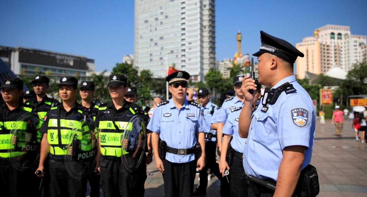 南山警方筑牢国庆安保防线 有效维护南山治安环境