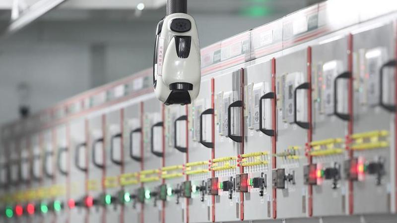 """上海:电力巡检机器人助力""""进博会"""""""