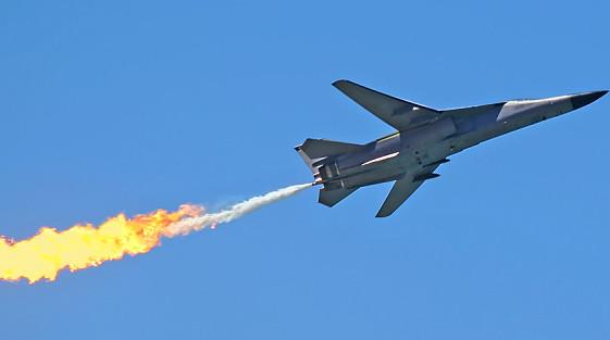 俄轰炸机抵委令美
