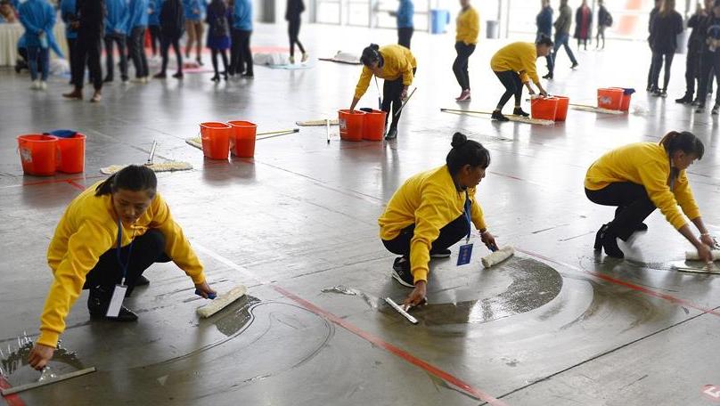 云南省首届家庭服务业技能大赛在昆明举行