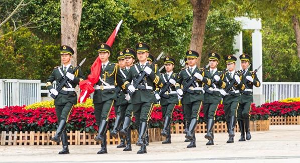 大鹏新区举行2019年新年升旗仪式