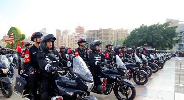龙华公安分局11支冲锋队 打造一流尖兵队伍