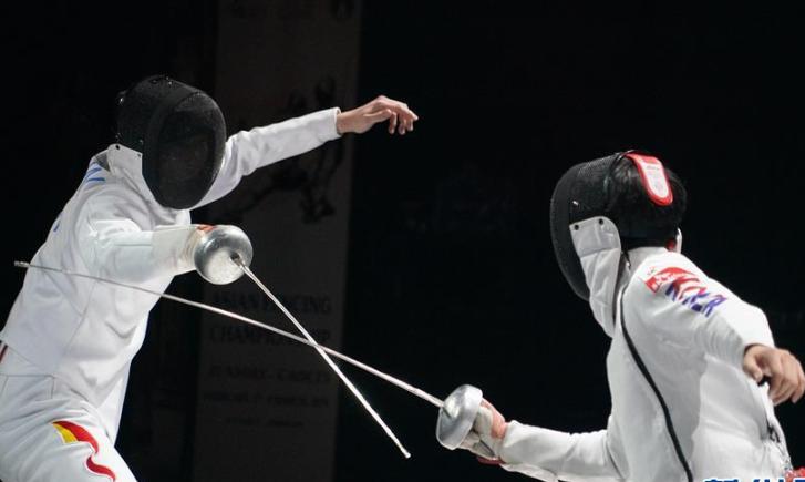 击剑——亚青赛:中国队获少年?#27103;?#23376;重剑团体金牌