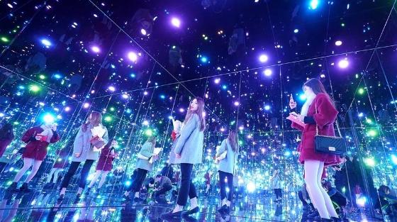上海举办日本艺术家草间弥生大展