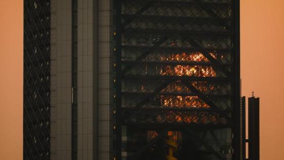 """墨西哥空气污染严重 烟雾笼罩白昼变""""黑夜"""""""