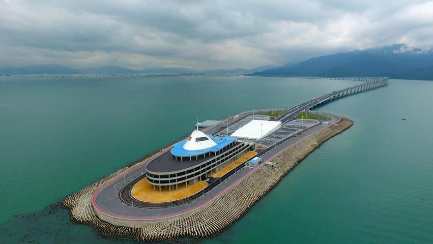港珠澳大桥将启动东人工岛旅游开发