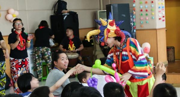龙岗区文化志愿服务队进福利院慰问演出