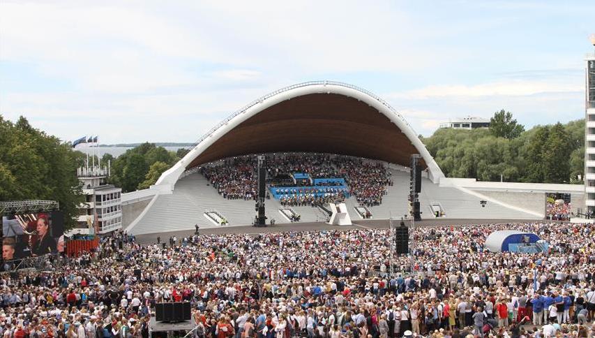 愛沙尼亞舉行歌舞慶典活動 4.7萬名表演者參演