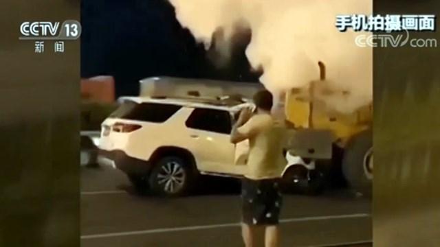 拒绝挪车两人身亡画面惨烈 现场车辆起火烧死两人视频曝光
