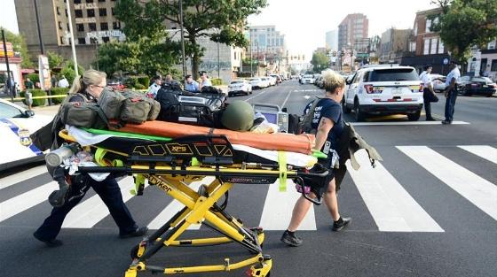 美国费城发生枪击案 数名警察受伤(组图)