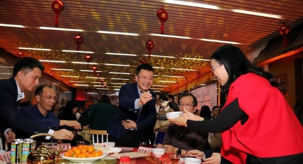 """话家常、包饺子、迎新年 福田""""饺子宴""""与来深建设者一起迎新春"""