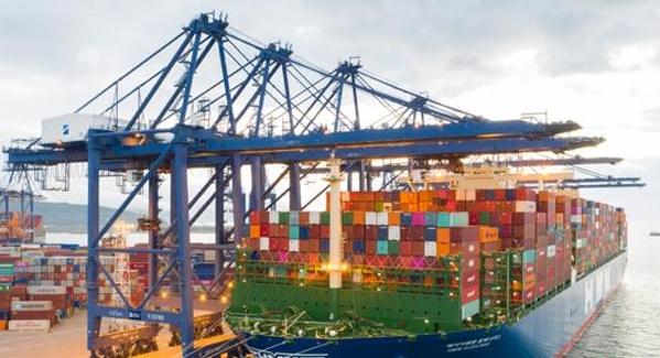 全球最大24000标箱级集装箱船首航盐田黄金配资