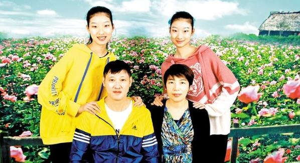 """西乡表彰""""美丽母亲""""""""最美家庭""""激扬文明新风尚"""