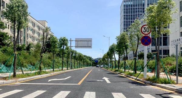 光明区建筑工务署加快打通断头路改善群众出行环境