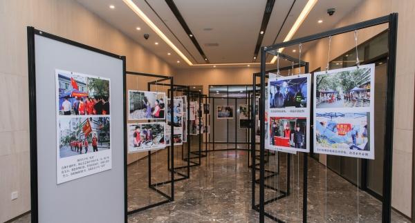 南头街道纪念建党99周年 举办抗疫纪实摄影展
