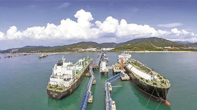 深新早点 | 东部战区正告美舰穿航台湾海峡