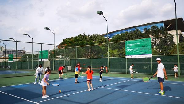 松岗:系列暑期体育公益培训活动圆满结束
