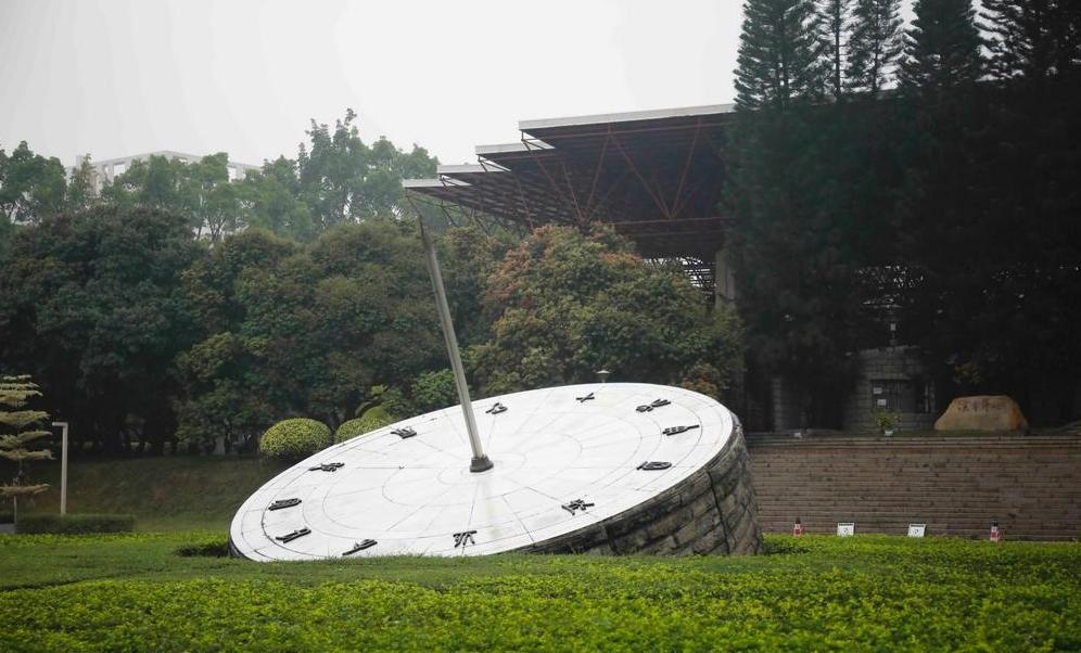 粤28.6万学生今年考上本科 29日开始专科投档录取