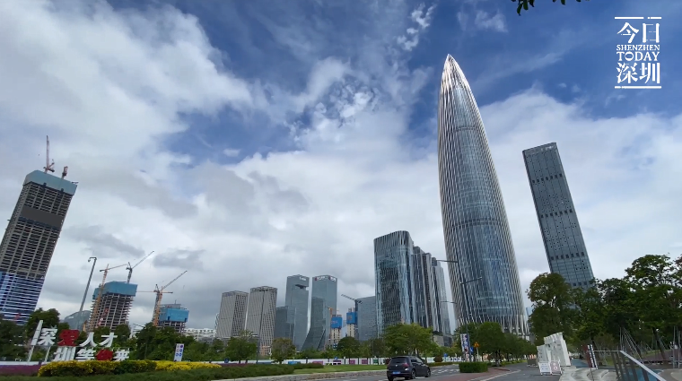 今日深圳9月17日:云向我来时,我亦破云去