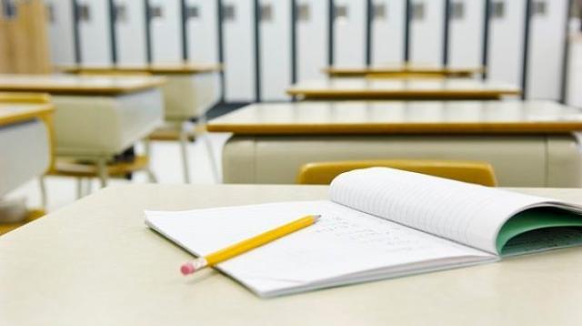 学生开学缺少课本?学校:是练习册,本周可解决