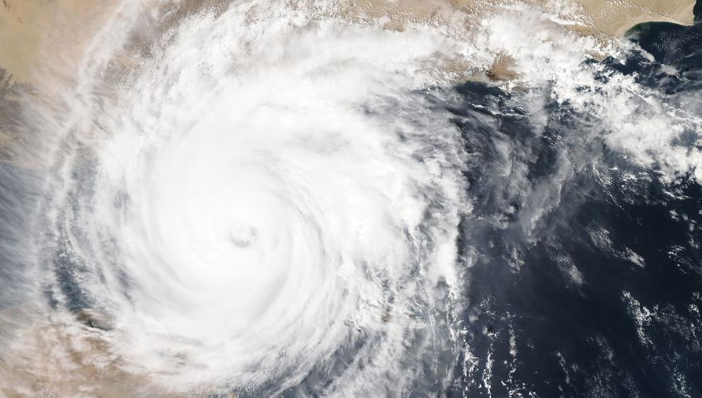 """台风""""白海豚""""逼近日本 日气象厅吁民众提高警惕"""