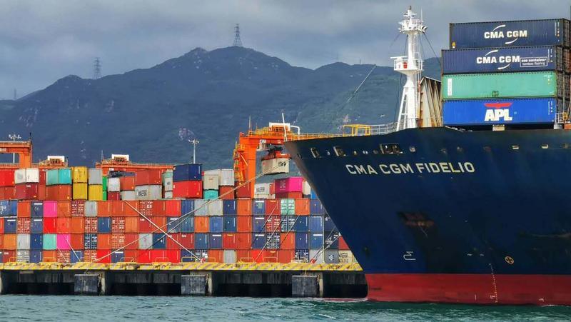 破纪录!盐田港区8月吞吐量达到142万标箱
