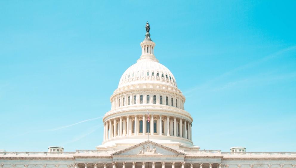 美国众议院通过支出法案,避免政府在10月1日关门