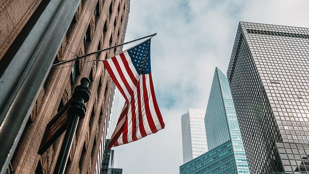 美联储重申将保持宽松货币政策 美元小幅回落金价走高
