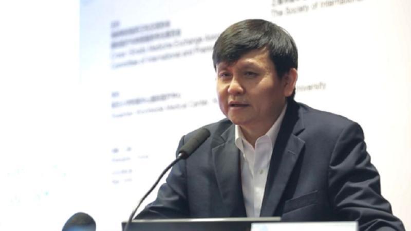 """张文宏:新冠病毒成""""常驻病毒"""",世界大门重启依靠疫苗问世"""