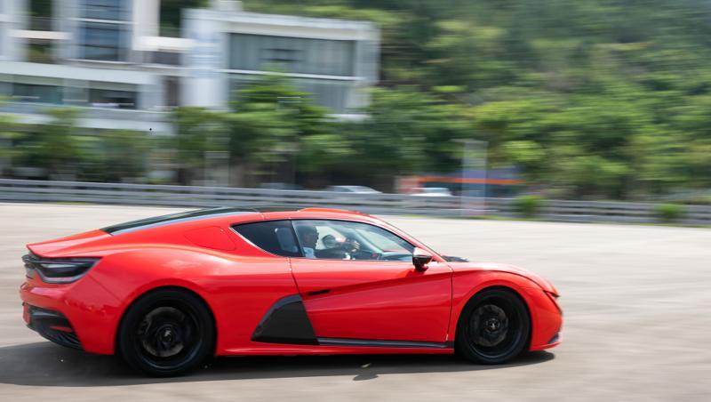 法诺新能源汽车亮相深圳,轻量化设计立足环保节能