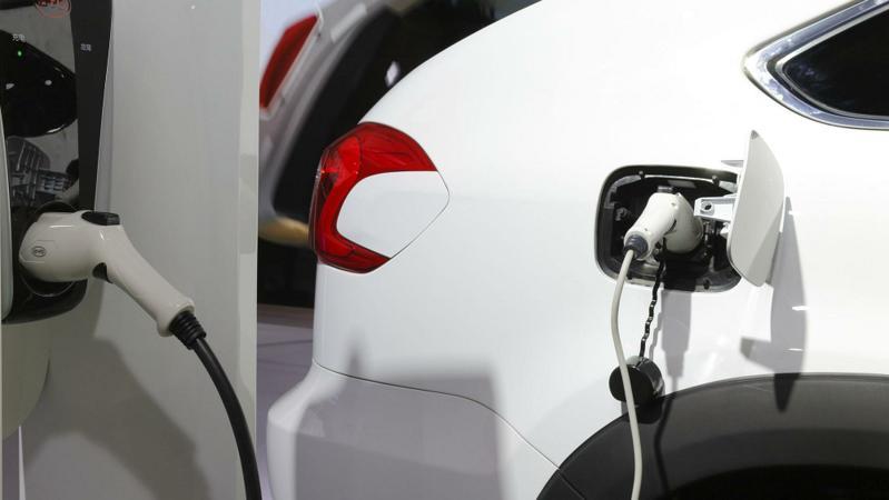 根本刹不住车!这款网红电动车杭州网约车司机都怕了:就像在开碰碰车!