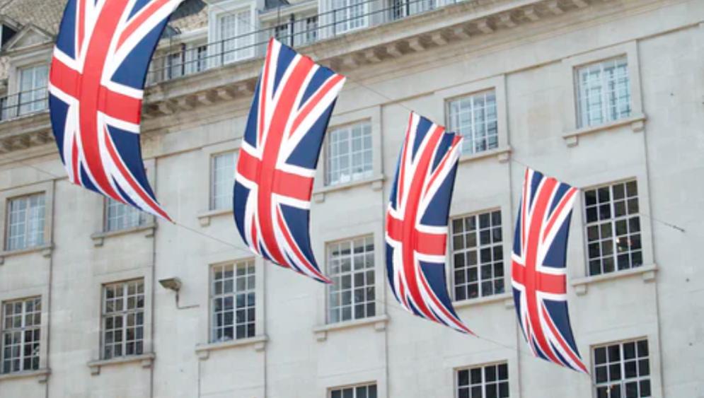 英国驻重庆总领事:收到中国外交部发言人点赞,将更努力工作