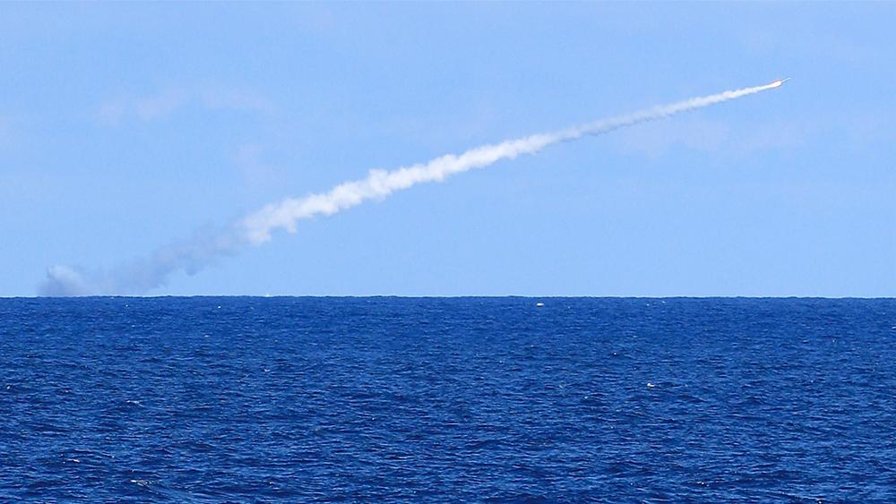 美军进行海基拦截洲际导弹测试