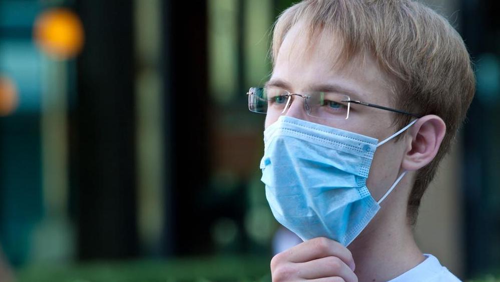 世卫:全球新冠确诊病例超5842万例,死亡逾138万例