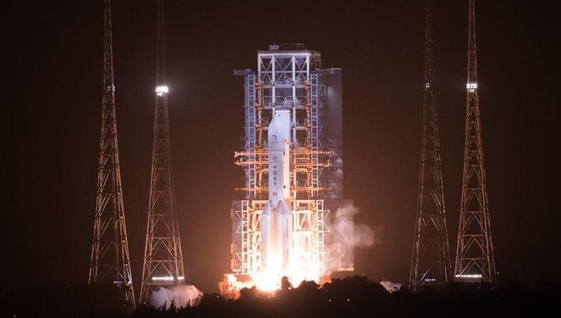 嫦娥五号探测器发射成功 开启我国首次地外天体采样返回之旅!高清视频