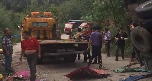 """河南商城县""""8死11伤""""交通事故调查:4人被追究法律责任"""