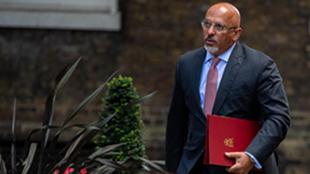 英国首相任命纳丁·扎哈维为卫生国务大臣亚博竞彩官网,专门负责疫苗工作