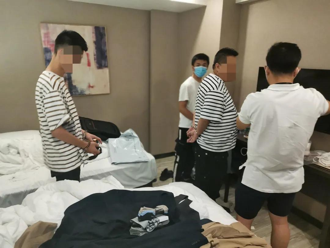 福田警方破获多起品牌服装店盗窃案,助力商户完善防盗措施