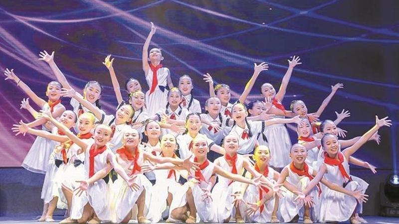 福田区青少年红丝带联盟艺术团汇报演出举行