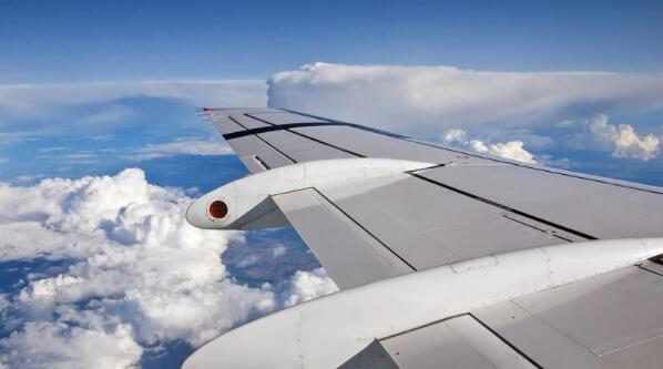 台湾航空公司暂停英国航线,多县市跨年活动防疫升级