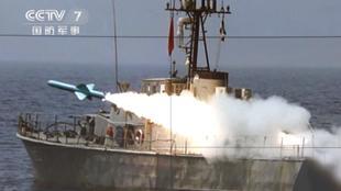 为应对敌方威胁做准备 伊朗军演期间试射巡航导弹