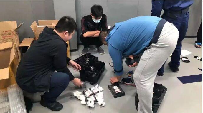"""民生小案丨福田警方抓获一犯罪团伙,缴获200余套银行卡""""四件套"""""""