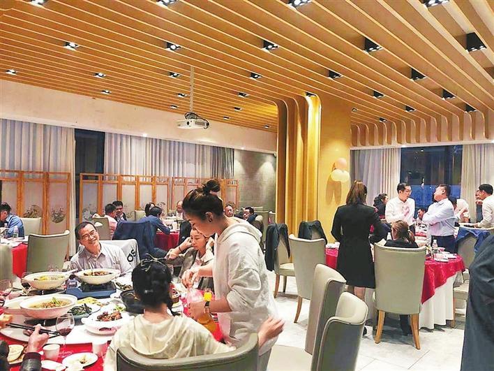 小年夜深圳餐厅一位难求 多家餐厅推线上订餐、半成品送餐服务
