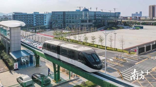 深圳云巴在空中轨道穿行,拟年内试运行