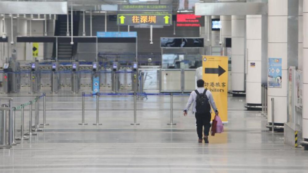 港区代表委员建议:参考海南的做法,放宽香港购物免税安排