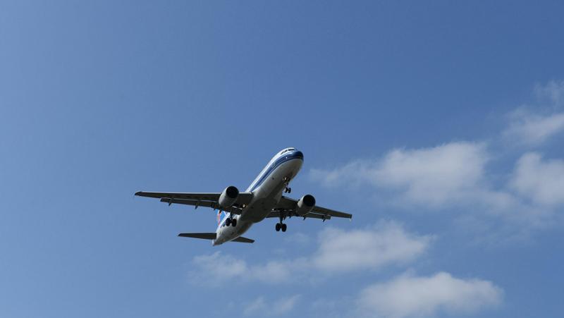一架从中国香港飞往西班牙马德里的波音777飞机在莫斯科迫降