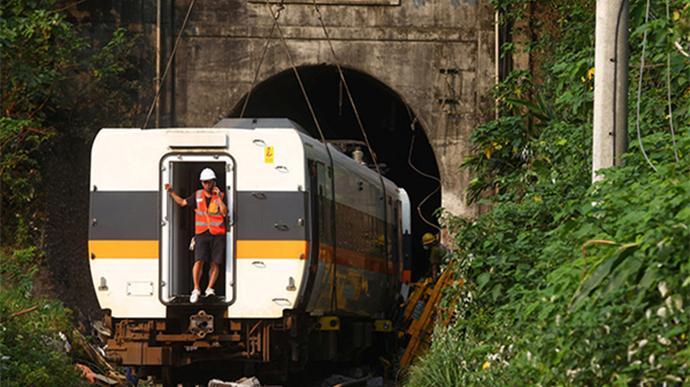 台铁出轨事故罹难人数调整为48人,受伤人数198人
