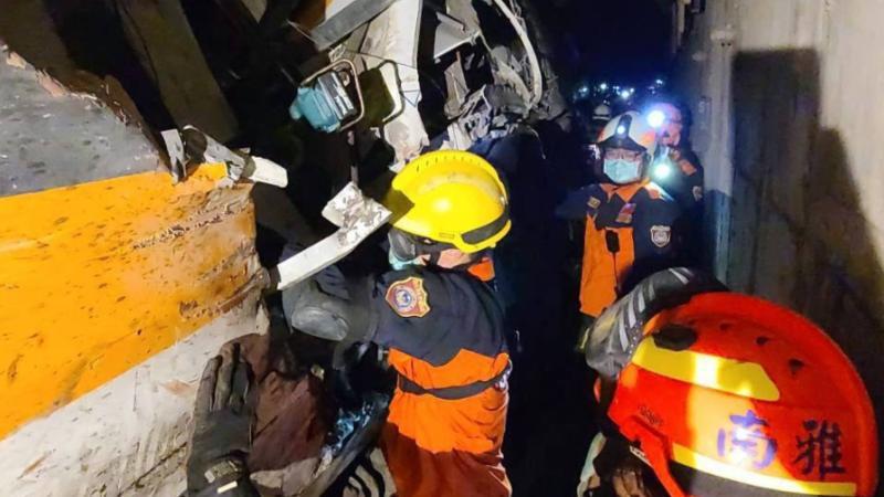 中央广播电视总台台海之声:台铁事故50名罹难者中48人确定身份
