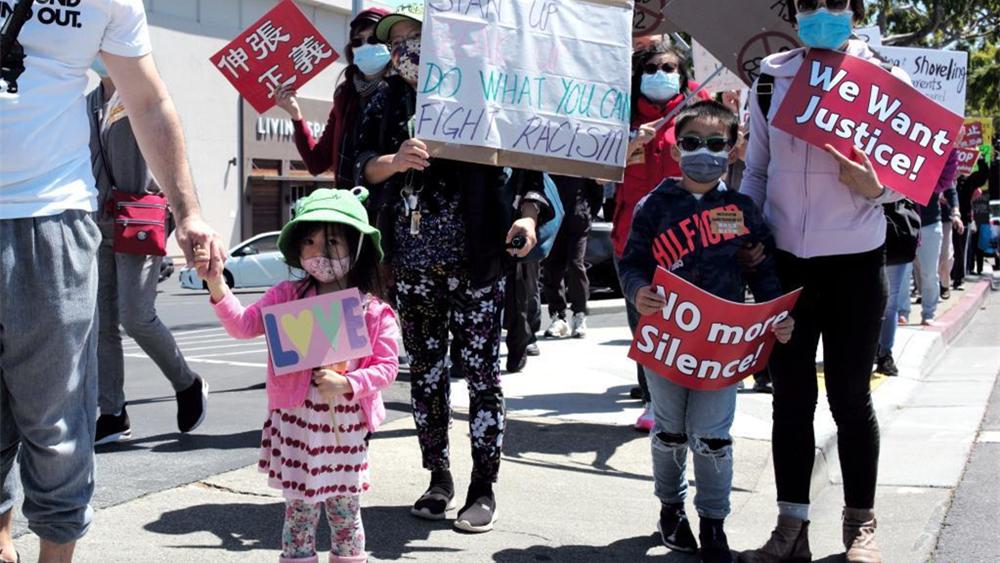 美国加州举行集会抗议针对亚裔的歧视行为和仇恨犯罪