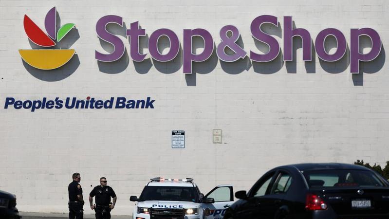 纽约州长岛一超市发生枪击事件 造成1死2伤